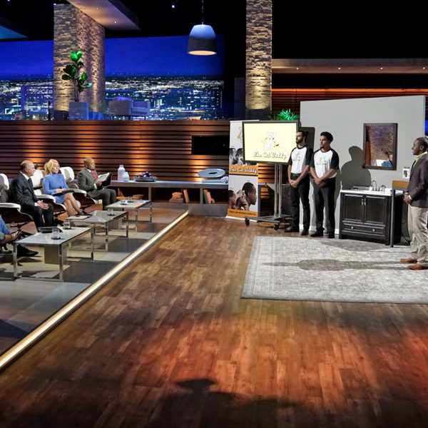 The Cut Buddy being presented to Shark Tank cast